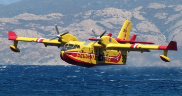 Canadair CL-415 1930mm